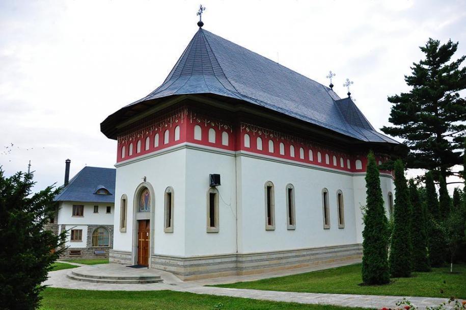 Biserica nouă a Mănăstirii Popăuți