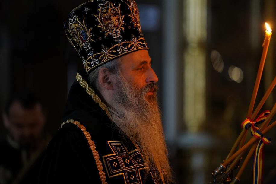 IPS Mitropolit Teofan a slujit Liturghia Darurilor mai înainte sfințite/ Foto: Constantin Comici