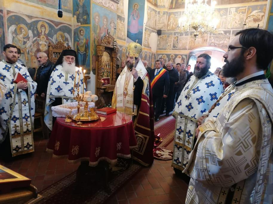 Slujba Privegherii la Mănăstirea Coșula